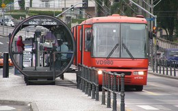 BRT Việt Nam loay hoay 'chạy đua' với xe buýt của các nước