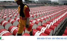 """Giá dầu thế giới liệu có nguy cơ """"tụt dốc""""?"""