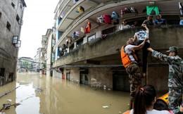 Chùm ảnh lũ lụt kinh hoàng ở Trung Quốc làm 33 người thiệt mạng