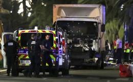Đối tượng ở Pháp lao xe tải vào đám đông, ít nhất 3 người bị thương