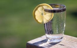 Không uống đủ nước rất nguy hiểm: Chuyên gia bày mẹo uống đủ lượng nước mỗi ngày