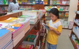 Ngành sách giáo dục đua trả cổ tức sớm