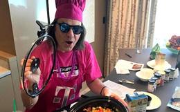 """Cuộc sống tràn ngập màu hồng """"đúng nghĩa"""" của người đàn ông quyền lực nhất T-Mobile"""