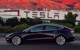 Lộ diện hình ảnh thực tế đầu tiên của Tesla Model 3