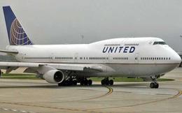 Hứng bão dư luận trên toàn cầu, cổ phiếu United Airlines lao dốc mạnh