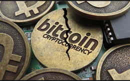 Bitcoin tách làm đôi, giá đồng tiền ảo mới tăng vọt 50% trong chốc lát