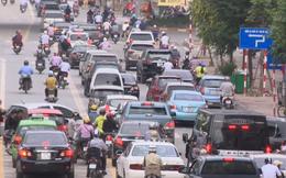 Đi lại bằng xe máy - Thói quen khó bỏ của người dân