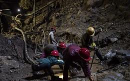 Nghề tìm đá quý trên 'vùng đất hồng ngọc' ở Myanmar