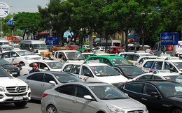 Sẽ cẩu các ô tô dừng đỗ gây kẹt xe Tân Sơn Nhất