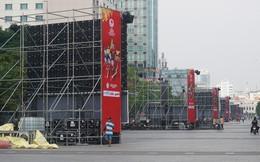 """11 màn hình """"khủng"""" tại phố đi bộ Nguyễn Huệ trực tiếp chung kết U23 Việt Nam được lắp như thế nào?"""