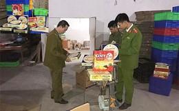 """Thu giữ 4.000 hộp bánh kẹo nhái """"mác"""" ngoại ở Hà Nội"""
