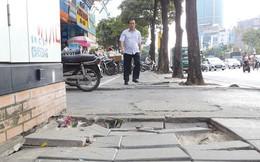 Hà Nội: Đá vỉa hè tuổi thọ 70 năm vừa lát đã hỏng