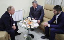 """Câu nói đầy bất ngờ và ấn tượng của Tổng thống Vladimir Putin khi gặp """"độc cô cầu bại"""" Khabib"""