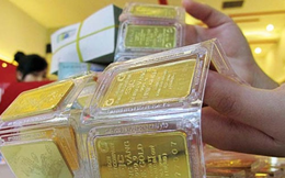 Giá vàng thế giới bất ngờ tăng mạnh nhất hơn 2 năm, vàng trong nước cũng tăng vọt