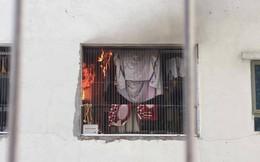 Lửa bốc cháy dữ dội tại tầng 31 chung cư HH Linh Đàm, hàng trăm người tháo chạy