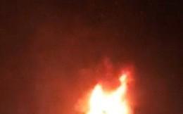 Xe đầu kéo bốc cháy dữ dội trên tuyến đường tránh Nam Hải Vân