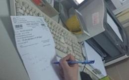 """Bệnh viện Bạch Mai: Mất 500.000 đồng để được """"dẫn đi khám"""""""