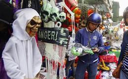 Đổ xô mua đồ hóa trang khi ngày Halloween cận kề