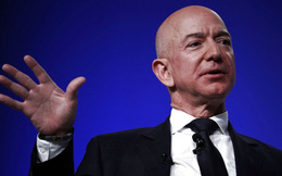 """""""Trung thành với nguyên tắc của bản thân"""" - một trong ba bí quyết giúp Jeff Bezos vượt qua """"cơn bão"""" chỉ trích"""