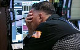 Giá dầu giảm mạnh kéo theo phiên giao dịch hậu lễ Tạ ơn tồi tệ nhất kể từ 2011 của Dow Jones