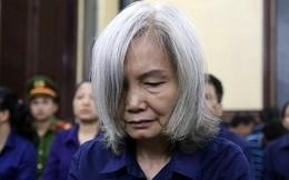 Người phụ nữ tóc bạc trong phiên toà DongABank: Từ bạn chung giảng đường đến chung vòng lao lý với Trần Phương Bình