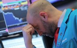 Fed chính thức tăng lãi suất, chứng khoán Mỹ đỏ lửa