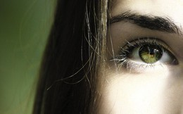 """Đôi mắt là """"cửa sổ tâm hồn"""", chăm sóc đúng cách thôi chưa đủ mà cần phải tăng cường dưỡng chất để mắt luôn khỏe mạnh"""