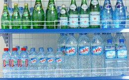 """Loạn thị trường nước uống đóng chai: """"Vàng thau lẫn lộn"""""""
