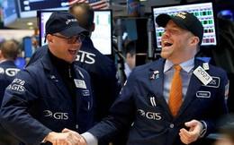 Dow Jones tăng vọt 410 điểm