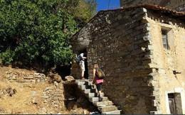 Để tránh trở thành thị trấn ma, ngôi làng Italia quyết định bán nhà với giá 1 euro