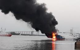 Thủ tướng yêu cầu khẩn trương xử lý sự cố cháy tàu chở xăng dầu tại Hải Phòng