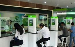 Bên cạnh tăng phí vài dịch vụ, Vietcombank cũng miễn và giảm nhiều loại phí giao dịch tiền mặt, chuyển khoản từ ngày 1/3/2018