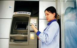Choáng với 'rừng phí' dịch vụ ngân hàng