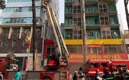 Cháy lớn tại khách sạn ở Sài Gòn, nhiều người mắc kẹt