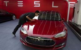 Không lâu sau khi bị cảnh báo sẽ phá sản trong 4 tháng, Tesla triệu hồi 123.000 xe Model S do lỗi bộ phận tay lái