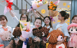 """Chàng sếp 9x ở Đà Nẵng tặng nhân viên nữ toàn công ty son môi, bắt nghỉ làm để đi """"trùng tu nhan sắc"""" mừng 8/3"""