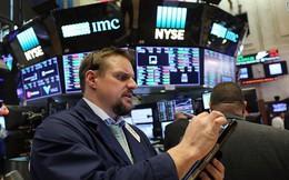 Tổng thống Trump chưa quyết định không kích Syria, Dow Jones tăng gần 300 điểm