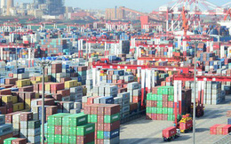 Trung Quốc bất ngờ có thâm hụt thương mại