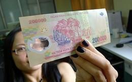 Mật phục bắt kẻ vận chuyển tiền giả 'khủng' từ TQ vào VN