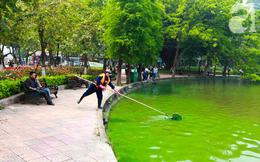 Sáng 17/4 nước Hồ Gươm bỗng xanh bất thường, phát hiện có tảo độc