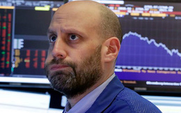 Dow Jones bị thổi bay hơn 200 điểm trong phiên giao dịch cuối tuần