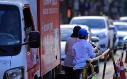 Đường Cát Linh cấm một chiều, giao thông ùn ứ giờ cao điểm
