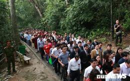 Thủ tướng dâng hương tại Đền Hùng từ sáng sớm