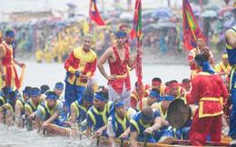 VIDEO: Ngàn người kéo nhau đi xem thủy chiến Hội bơi Đăm ở Tây Tựu