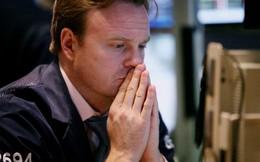 Thị trường chìm trong sắc đỏ, dòng tiền bắt đáy trỗi dậy
