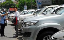 Từ 1-6, TP.HCM bắt đầu thu phí ô tô đậu dưới lòng đường