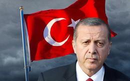 """Đồng tiền mất giá kỷ lục, kinh tế Thổ Nhĩ Kỳ """"lâm nguy"""""""