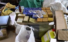 Thu giữ số lượng lớn thực phẩm chức năng, mỹ phẩm giả ở Hà Nội