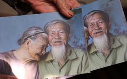 """Nhiếp ảnh gia người Pháp chụp bộ ảnh đôi vợ chồng 94 tuổi và phía sau đó là một """"cổ tích tình già"""" siêu dễ thương ở làng rau Trà Quế"""