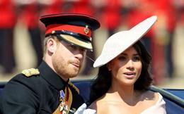 """Nhiều đồn đoán cho rằng bộ đồ """"phá vỡ quy tắc"""" của Meghan Markle được lấy cảm hứng từ trang phục của Công nương Diana"""